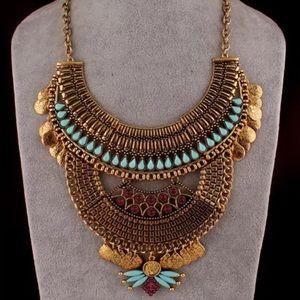 NEW!! Gorgeous Bohemian Bib Necklace