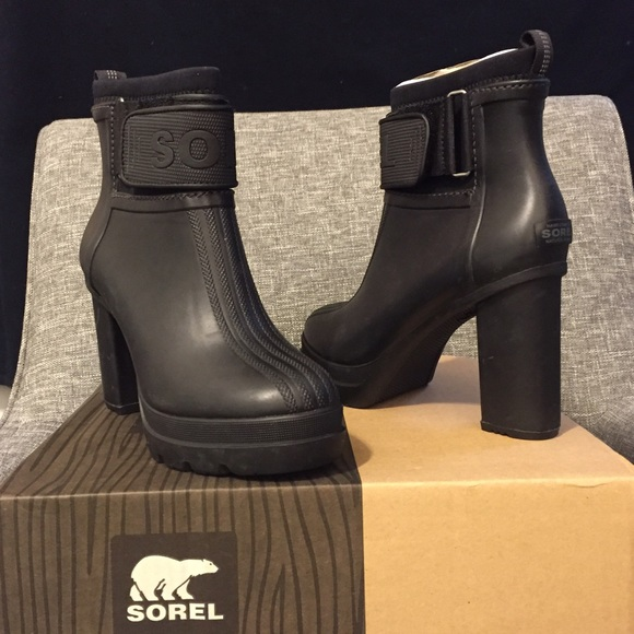 60a9c37978d2 Sorel Medina III Rain Heel Boot NIB 7.5