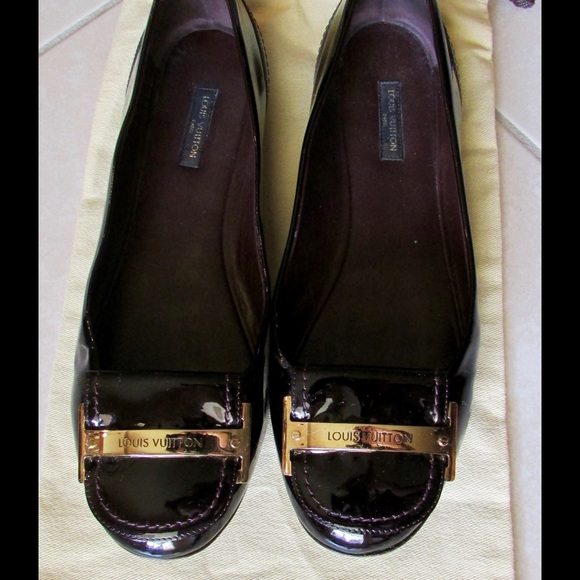 8f8682942a62 Louis Vuitton Shoes - Louis Vuitton Women s Burgundy Patent Leather Flat