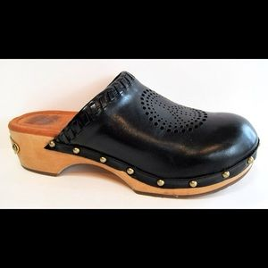 Lucky Brand Black Leather Peace Clog