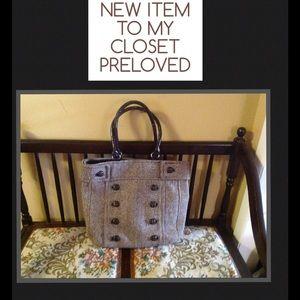 Handbags - 🎉💝HP MINIMALIST Chic Party Host @tinavitale💝🎉