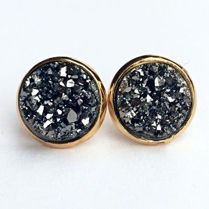 thejeweladdict Jewelry - 3 for 15🎀chunky grey Druzy style gold earrings