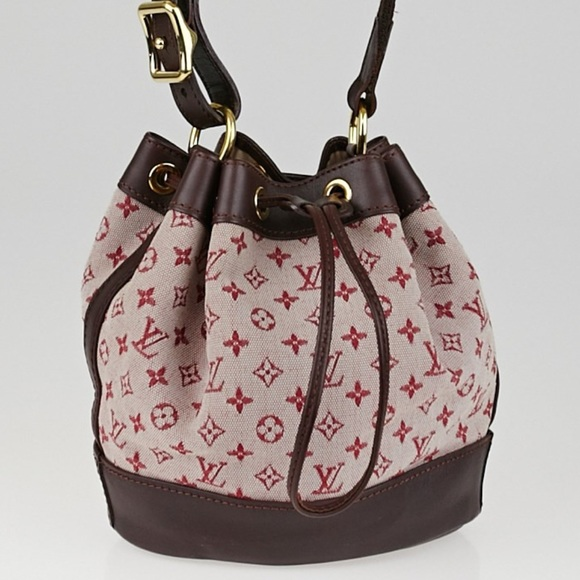 f4dc7455436 Louis Vuitton Handbags - Authentic Louis Vuitton Monogram Mini Bucket Bag