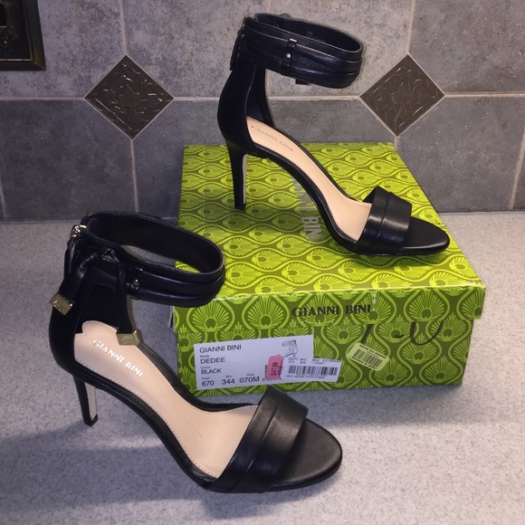 99d9a422156 Black leather ankle strap heels NWT 7M NWT