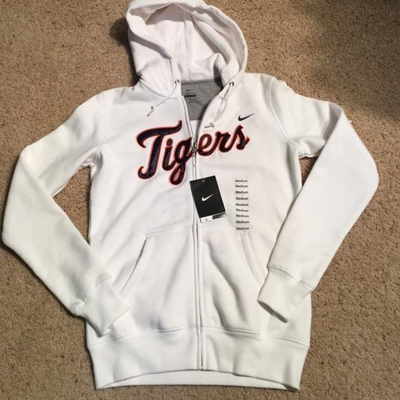 huge discount 1e6d6 b3332 NWT NIKE Detroit Tigers sweatshirt✨ NWT