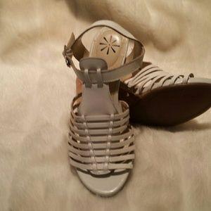 Isaac Mizrahi leather sandal