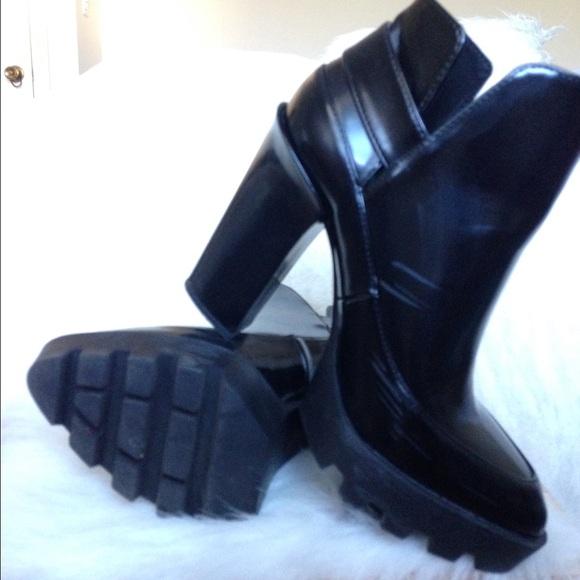 Zara Shoes - Zara Worker Boot