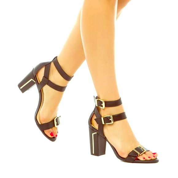 b39b0e2e05e Jessica Simpson Shoes - Jessica Simpson Julinda Sandal