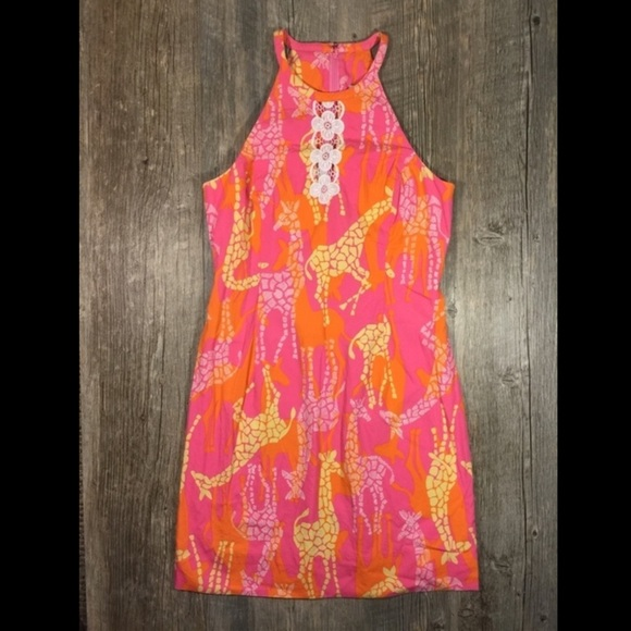 cd627c6bf06f03 Lilly Pulitzer Dresses & Skirts - Lily Pulitzer pink giraffe print circle  neck dress