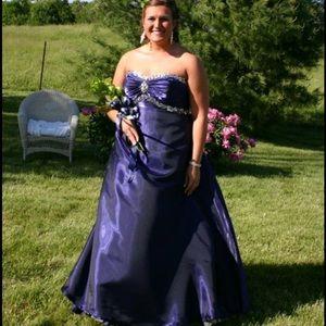 Dresses & Skirts - Beautiful royal purple forms Aline dress