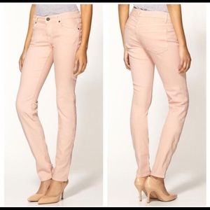 JUST IN🌸Delicate Pink Rich & Skinny Jeans🌸