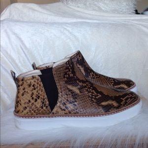 Zara Shoes - Zara Snakeprint Sneaks