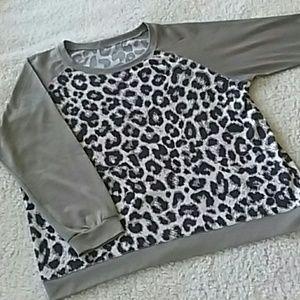Leopard Sweatshirt Sz L