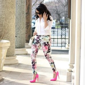 HUE Pants - Floral Leggings
