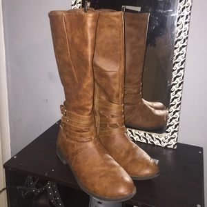 Shoes - Brown calf height boots