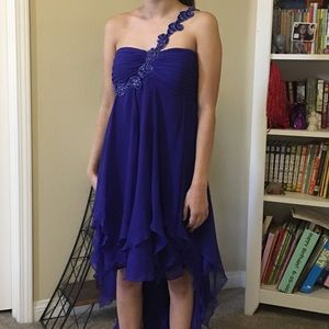 Adrianna Papell Dresses & Skirts - NWT Hailey Logan by Adrianna Pappell HighLow Dress