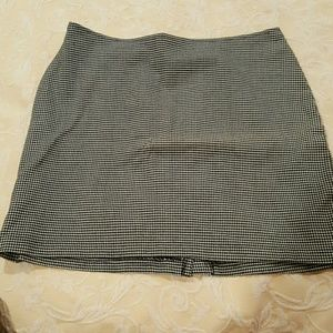 Dresses & Skirts - Last Chance Black & white plaid mini skirt.  Sz 13