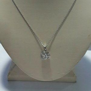 Jewelry - 3 stone diamond like swirl necklace