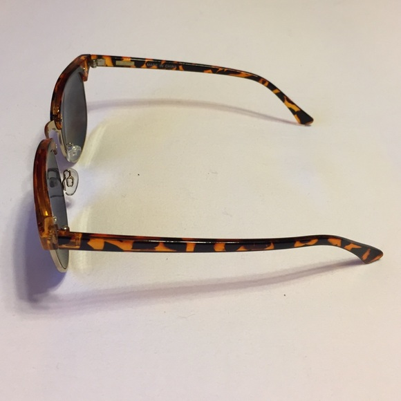 J. Crew Accessories - J.Crew vintage style sunglasses