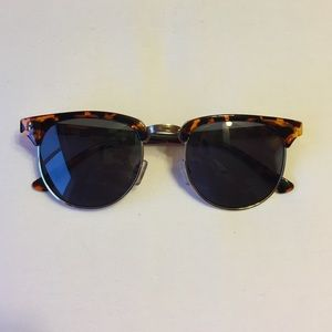 J. Crew Accessories - J.Crew vintage style sunglasses