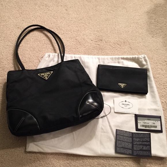 5023ba4e6a Prada Semitracolla Tessuto Easy handbag   wallet. M 56985b5147da81c4640042b6