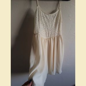Dresses & Skirts - Cream chiffon and lace dress