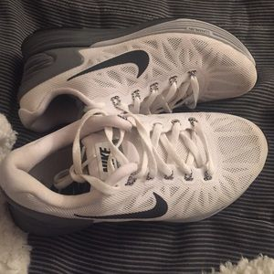 timeless design df001 5dbbb Nike Shoes - nike lunarglide 6 white grey black womens size 5