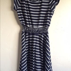 Dresses & Skirts - Cut out striped dress