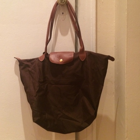 Longchamp Handbags - Large brown nylon Longchamp Le Pliage tote 12f9750a9df86