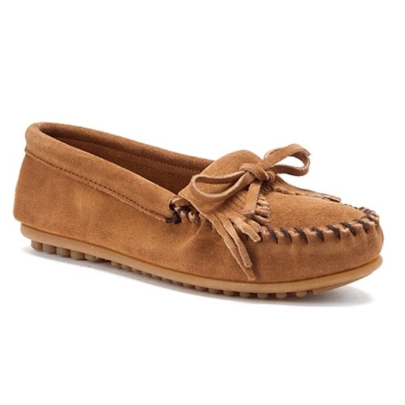Discount Minnetonka Shoes with FREE Shipping & Exchanges, and a % price guarantee. Choose from a huge selection of Discount Minnetonka Shoes styles.