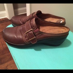Brown Leather Naturalizer Clog with Buckle