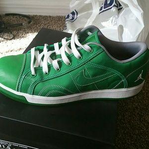 low priced 002dc d0329 Nike Jordan Shoes - Kelly Green pair of Nike Jordan Sky high