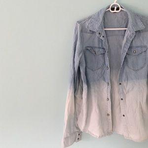 ✨HP✨ | Ombré Chambray Shirt