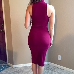 Dresses & Skirts - Burgundy High Neck Sleevless Midi Dress