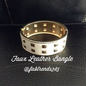 T&J Designs Jewelry - Faux Leather Bangle