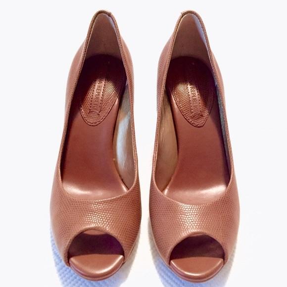 Banana Republic Shoes - 💗HOST PICK💗 br | jana peep toe pumps.