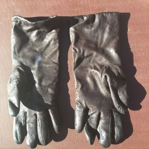 Saks 100% Leather brown gloves