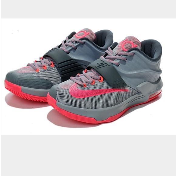 bf30d5b42836 Size 6.5 boys grade school Nike kd 7. M 56998f5b78b31ce49e00acc9