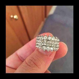 Jewelry - Shiny ring size 8