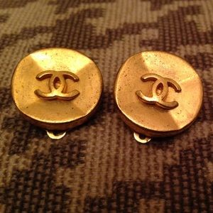 Vintage CHANEL clip on earrings