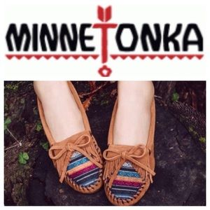 Minnetonka Shoes - 🎉HP🎉LIKE NEW!  Minnetonka kilty Arizona moccasin