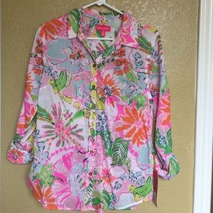 Lily Pulitzer nosey posie button down top
