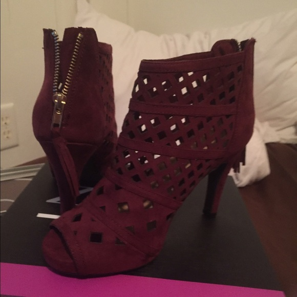 Lane Bryant Shoes Burgundywine Color Cut Out Heeled