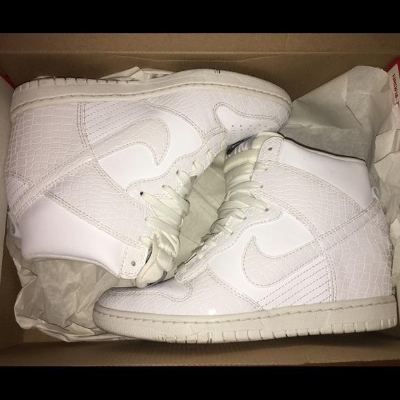 meet cf32e 5beca Nike Dunk Sky Hi WMNS White Croc Print Wedges - 8.  M 569a7e53981829faa4003a21