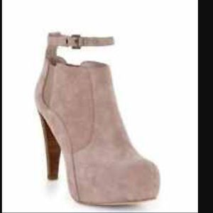 Final Reduction!!  BCBGMAXAZRIA Helvi bootie