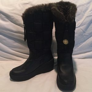 92% off Juicy Couture Shoes - Juicy Couture Snow Boots