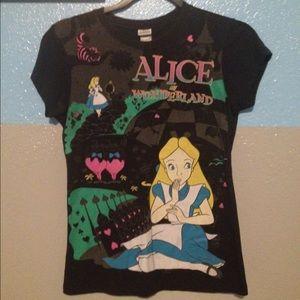 Alice in wonderland! Graphic tee