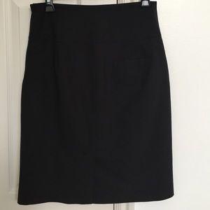 Banana Republic Skirts - Banana Republic black pencil skirt, sz 6
