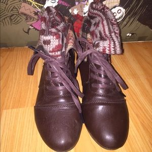 Burgundy/brown fold over boots with knit detail