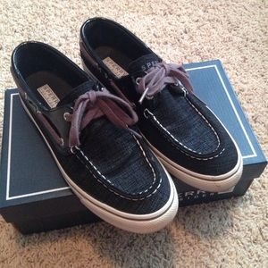 Sperry to top-sider boat shoes